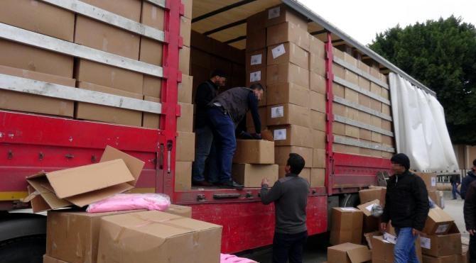 TIR`daki bebek kıyafetleri arasında 250 bin paket kaçak sigara
