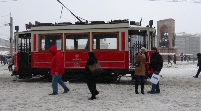 Taksim`den kar manzaraları