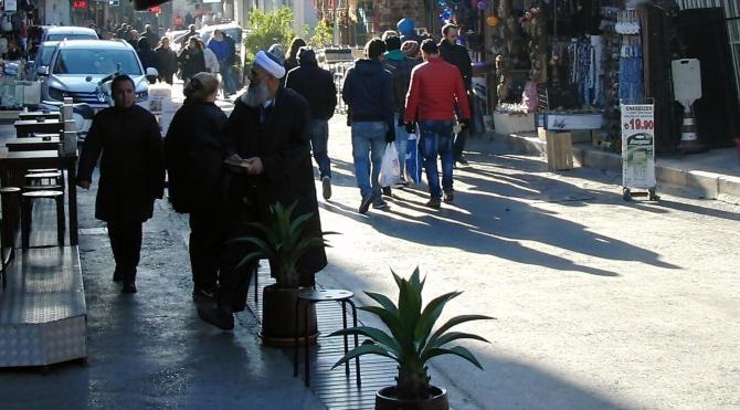 İzmir`de cübbelilerden `yılbaşı kutlama` bildirisi