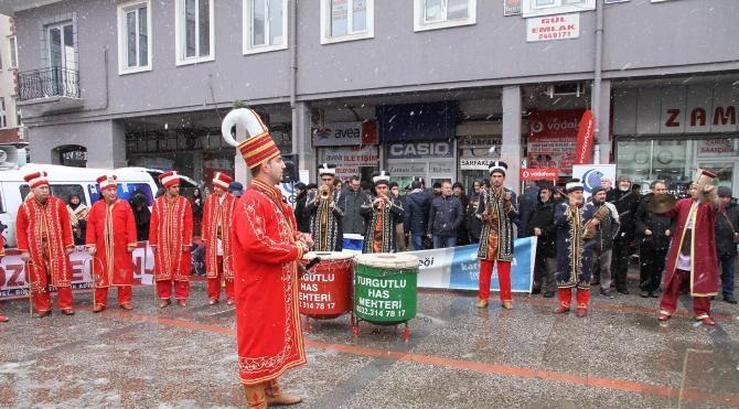 Balıkesir`de yılbaşı eğlencelerine mehteranlı protesto