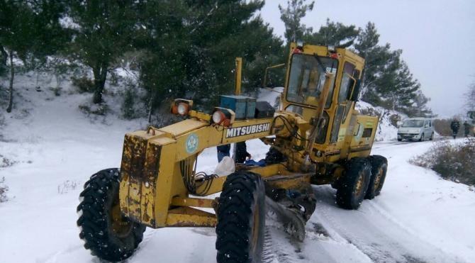 Manisa`da kar yağışı etkili oldu (3)