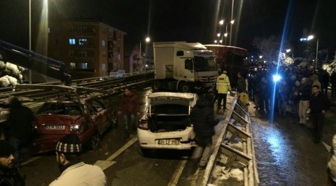 Gölcük`te 40 araç birbirine girdi: 16 yaralı