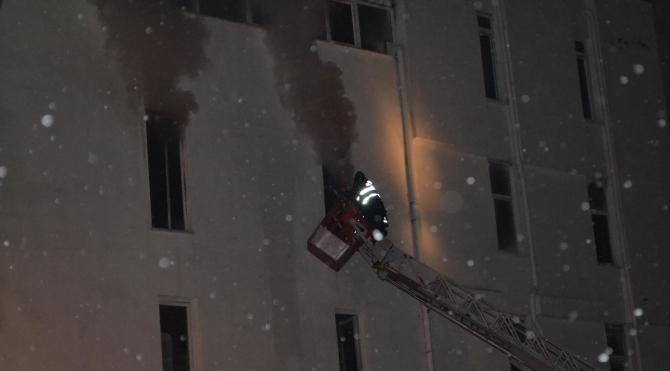 Mobilya fabrikasında korkutan yangın