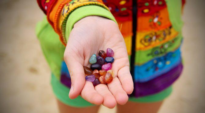 İnternetten aldığınız taşlar, kristaller ve 'Mantra'ları kullanmayın!