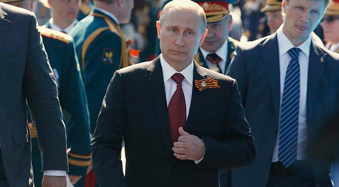 'Putin niye öyle yürüyor' diyenler CIA ajanıymış!