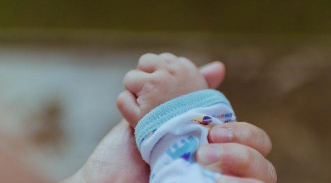 Tek dokunuşla ağlayan bebeğinizi sakinleştirin