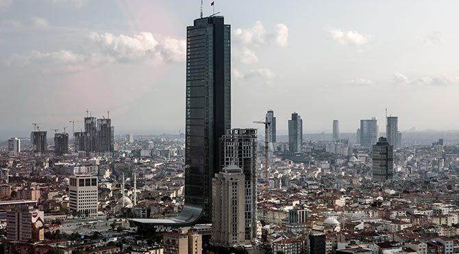 Türkiye'nin en yüksek binası satılıyor