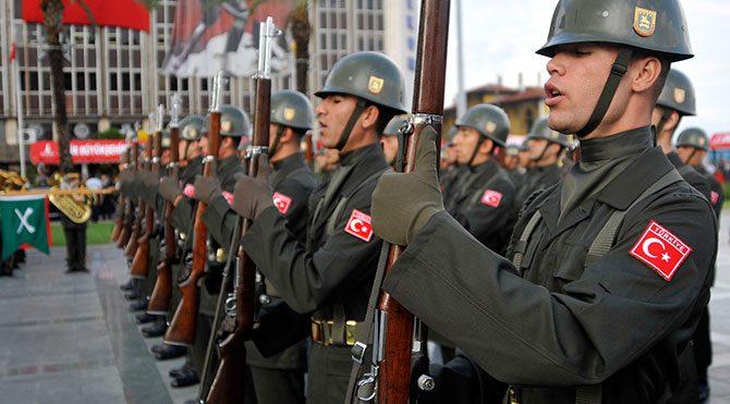 Dövizli askerlik bin Euro'ya düşüyor