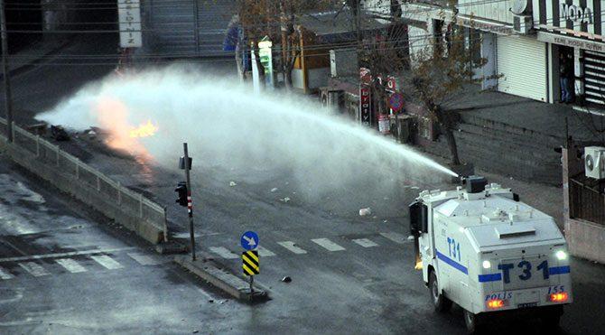 Diyarbakır'da olaylar çıktı: 1 çocuk öldü