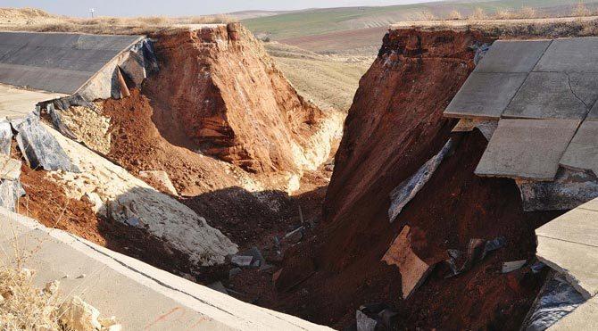 Türkiye'nin en uzun sulama tüneli çöktü