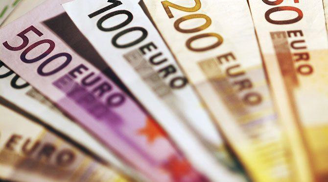 Prag'dan Euro Bölgesi'ne Atina resti!