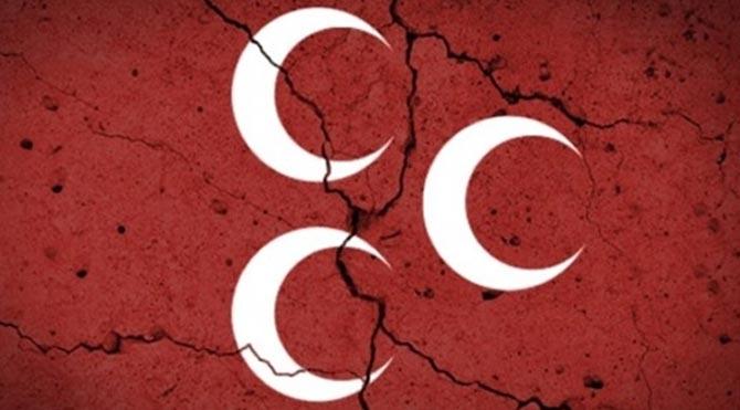MHP'li Belediye Başkanı partisinden istifa etti!