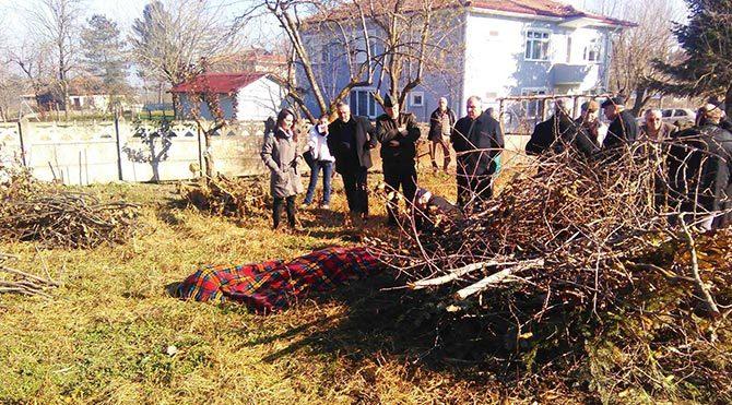 CHP'li meclis üyesi evinin bahçesinde ölü bulundu