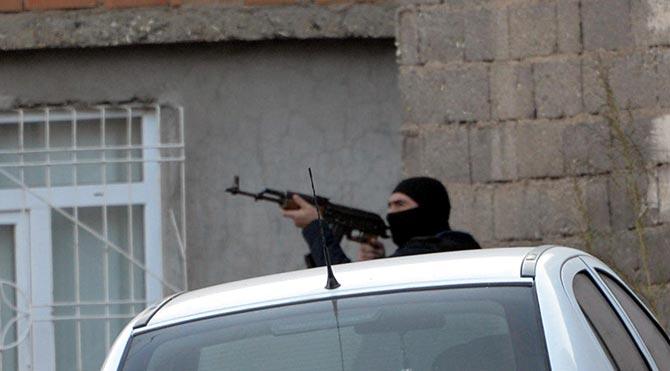Diyarbakır'da çatışma: 3 terörist öldürüldü