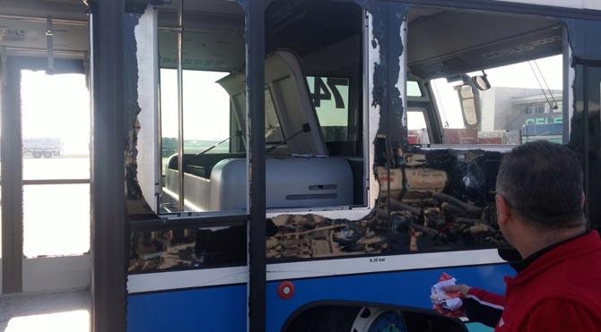 Havalimanındaki patlamada otobüs bu hale geldi