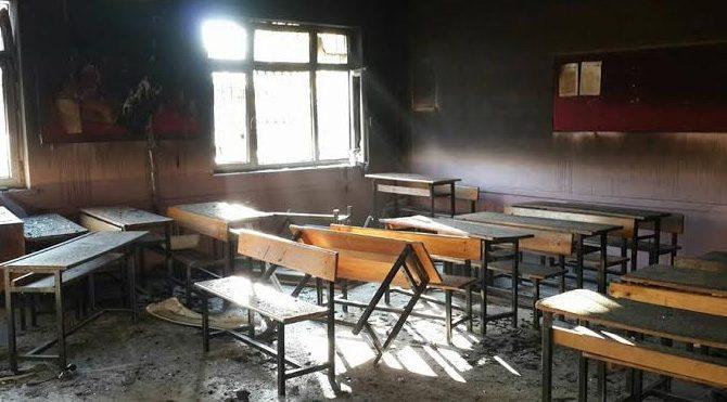 Tarsus'ta 2. okul yakma vakası: 3 yaralı