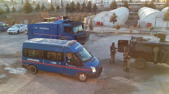 Çadırkentte 2 PKK'lı yakalandı!