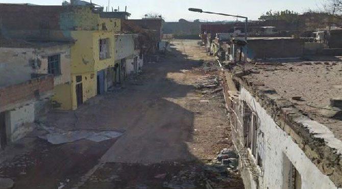 Diyarbakır'da 4 barikat imha edildi