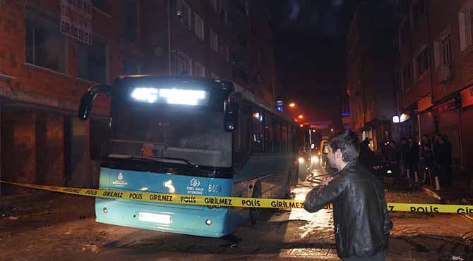 Kağıthane'de özel halk otobüsüne molotoflu saldırı
