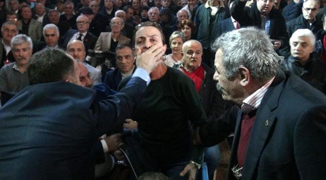 CHP kongresinde arbede: 1 yaralı, 2 gözaltı