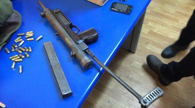 Çantasından DHKP-C'nin eylem silahı çıktı
