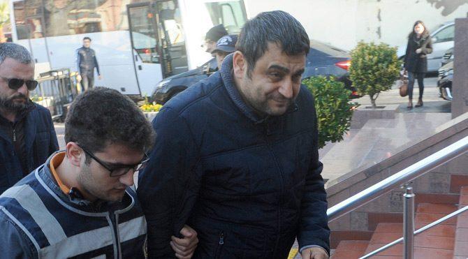 Gözaltındaki Sedat Laçiner tweet attı