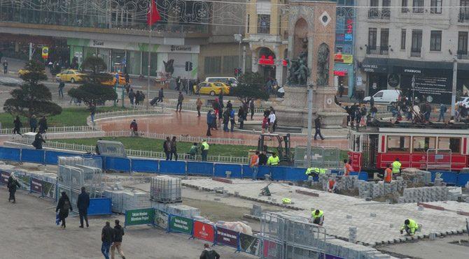 Taksim Meydanı'nda yılbaşı hareketliliği
