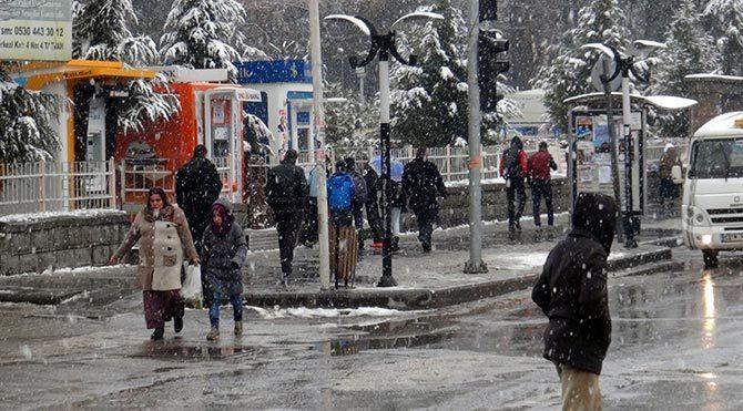 İstanbul'da okullar tatil mi? Vasip Şahin açıkladı