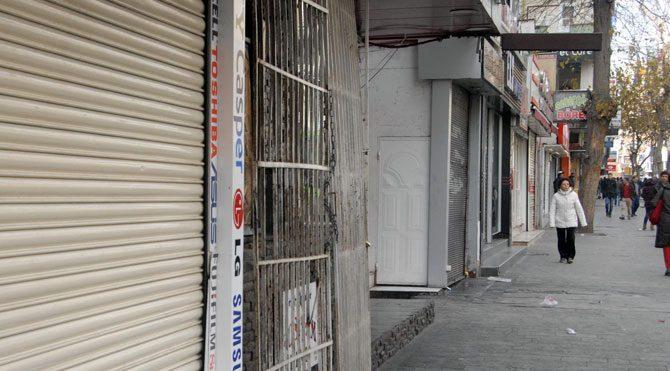 Sur'un Gazi Caddesi'nde sokağa çıkma yasağı kaldırıldı