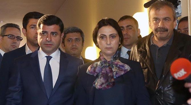 Demirtaş ile Yüksekdağ: 2016'da barış ve özgürlük mücadelesi vereceğiz