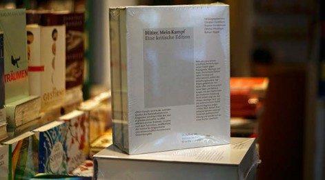 Hitler'in 'Kavgam' kitabı, Almanya'da 70 yıl sonra yeniden satışa sunuldu