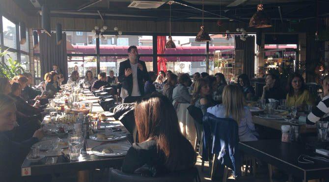 Bugün de Bursa BUİKAD (Bursalı İş Kadınları ve Yöneticileri Derneği) üyeleriyle uzun kahvaltılı toplantıda biraraya geldik.