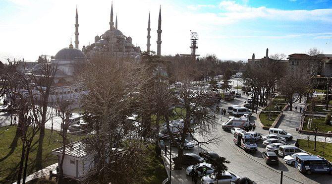 Sultanahmet saldırısı gazete manşetlerinde