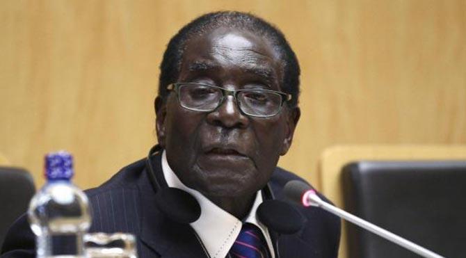 Afrika'nın en yaşlı lideri Mugabe kalp krizi geçirdi
