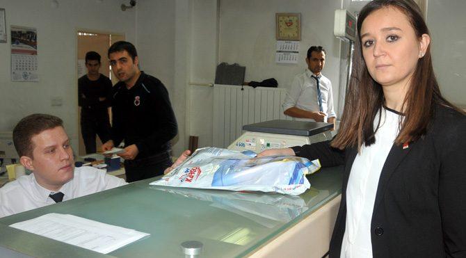 CHP'li gençlerden MİT'e Sultanahmet kargosu