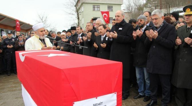 Şehit uzman çavuş Nuh Özdemir`i 5 bin kişi uğurladı