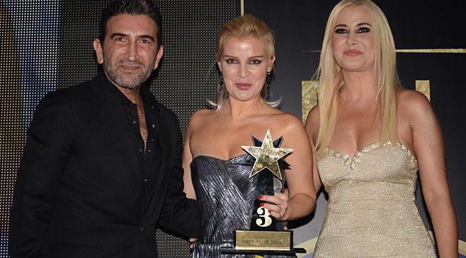 Kıbrıs Türküsü Ömür Gedik'e ödül getirdi