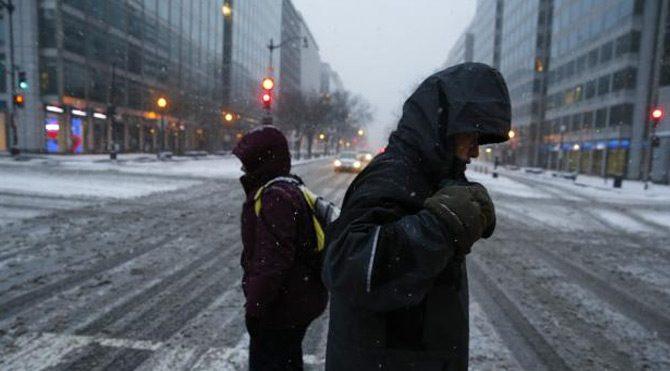 Kar fırtınası ABD'de hayatı felç etti