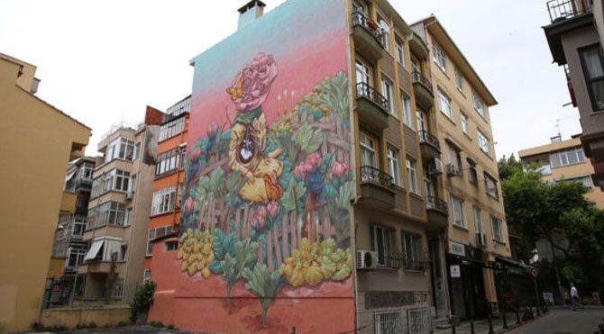 Kadıköy duvarları sanatla canlandı
