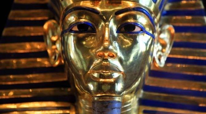 Tutankamon'un maskesine zarar verenler yargılanacak
