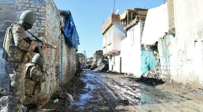 Sur'da hain saldırı: 4 şehit!