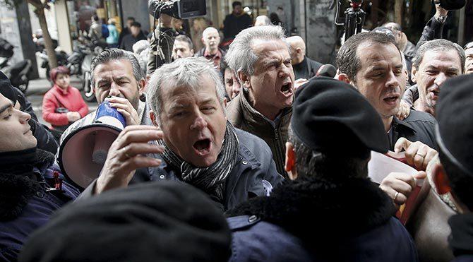 Yunanistan'da sosyal güvenlik reformuna tepkiler sürüyor