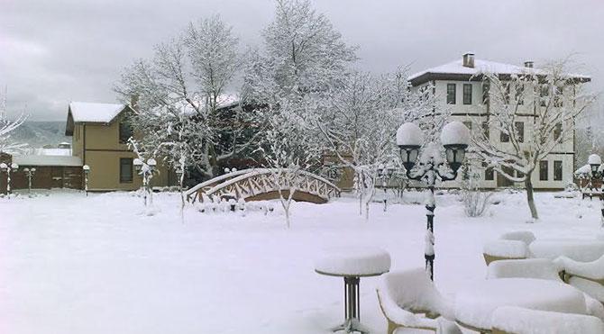 Kardan Heykeller Sergisi'ni yerinde görün