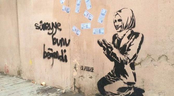 Sümeyye Erdoğan'ın resmini karaladılar