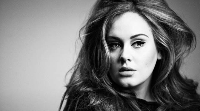 Adele'den Trump'a rest!