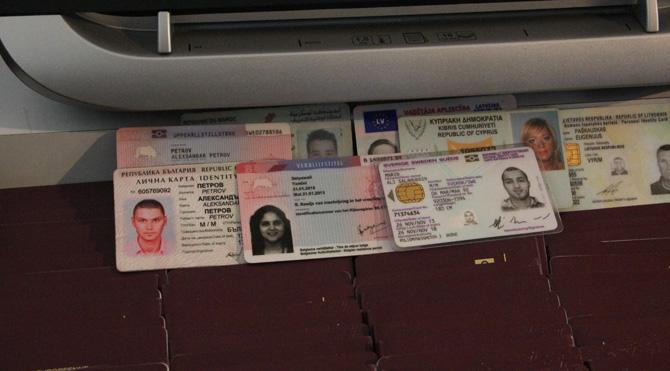 Yaralı bölücülere pasaport düzenleyen çete çökertildi