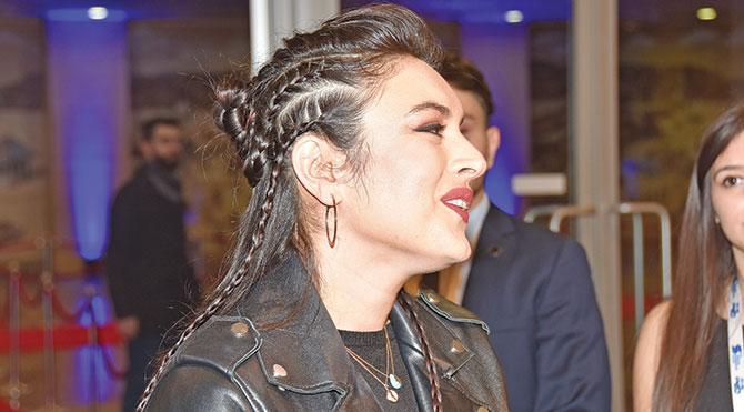 Foto: Emre Çevik - Ezgi Mola'nın örgü saçı