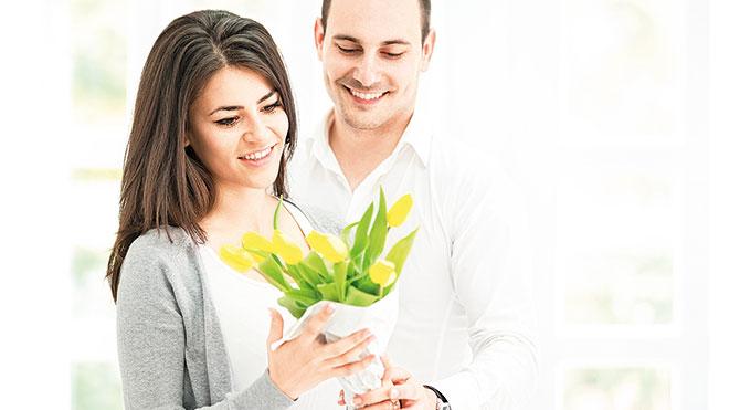 Sarı sıcak Sevgililer Günü