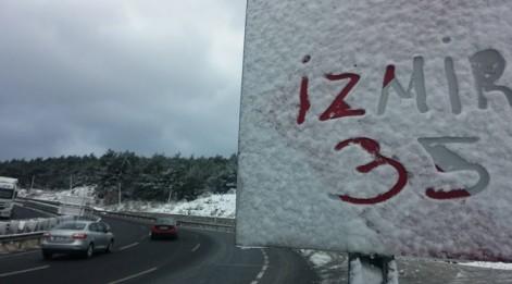 İzmir'de de kar sevinci!