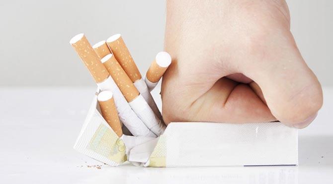 Sigara kadın ömrünü 23 yıl, erkek ömrünü 28 yıl kısaltıyor